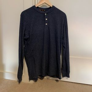Brooks Brothers Long sleeve Henley. Size Medium.